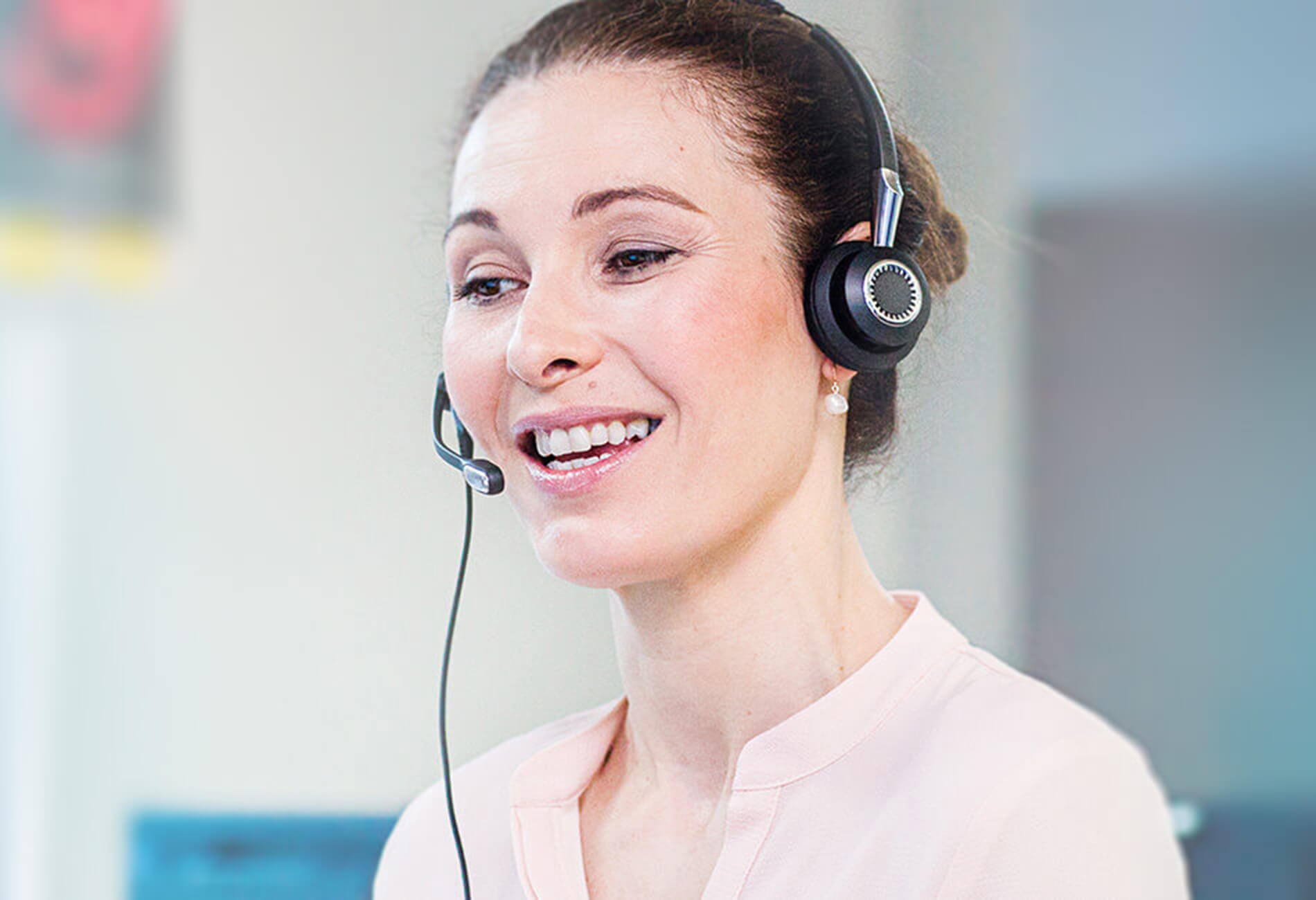 contact center headsets call center headsets with noise cancellation. Black Bedroom Furniture Sets. Home Design Ideas