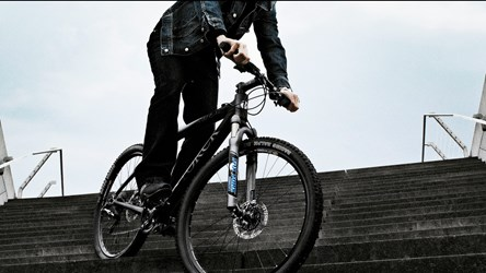 Male mountainbiker mobile